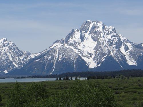 010 Mt. Moran Jackson Lake in foreground